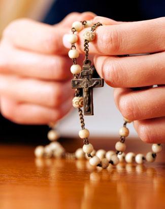 Rezar rosario para poner fin a pandemia | DOLR.org